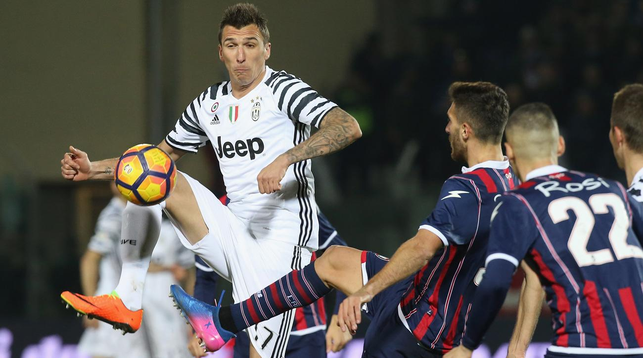 Juventus beats Crotone in Serie A