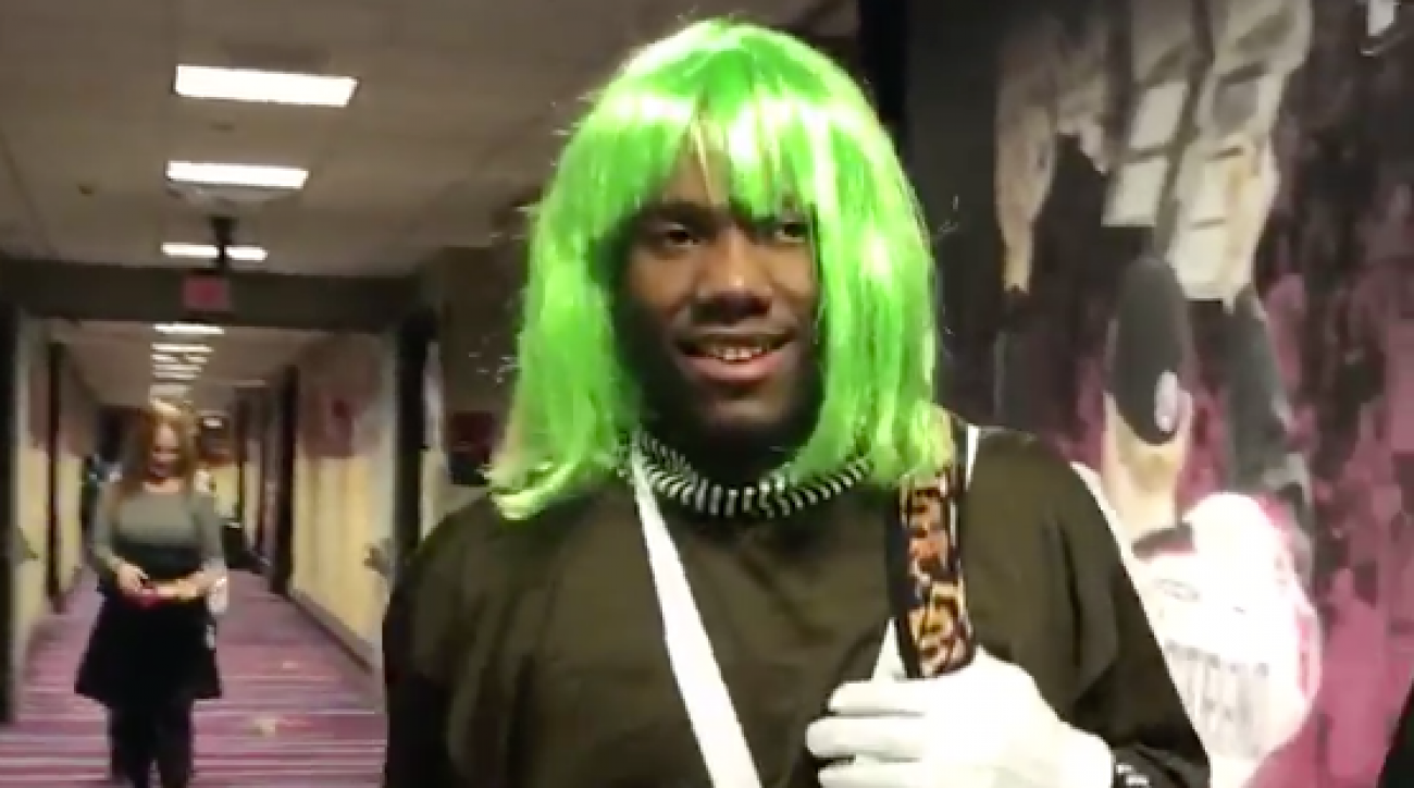 Richard Jefferson dresses Kay Felder like Oompa Loompa