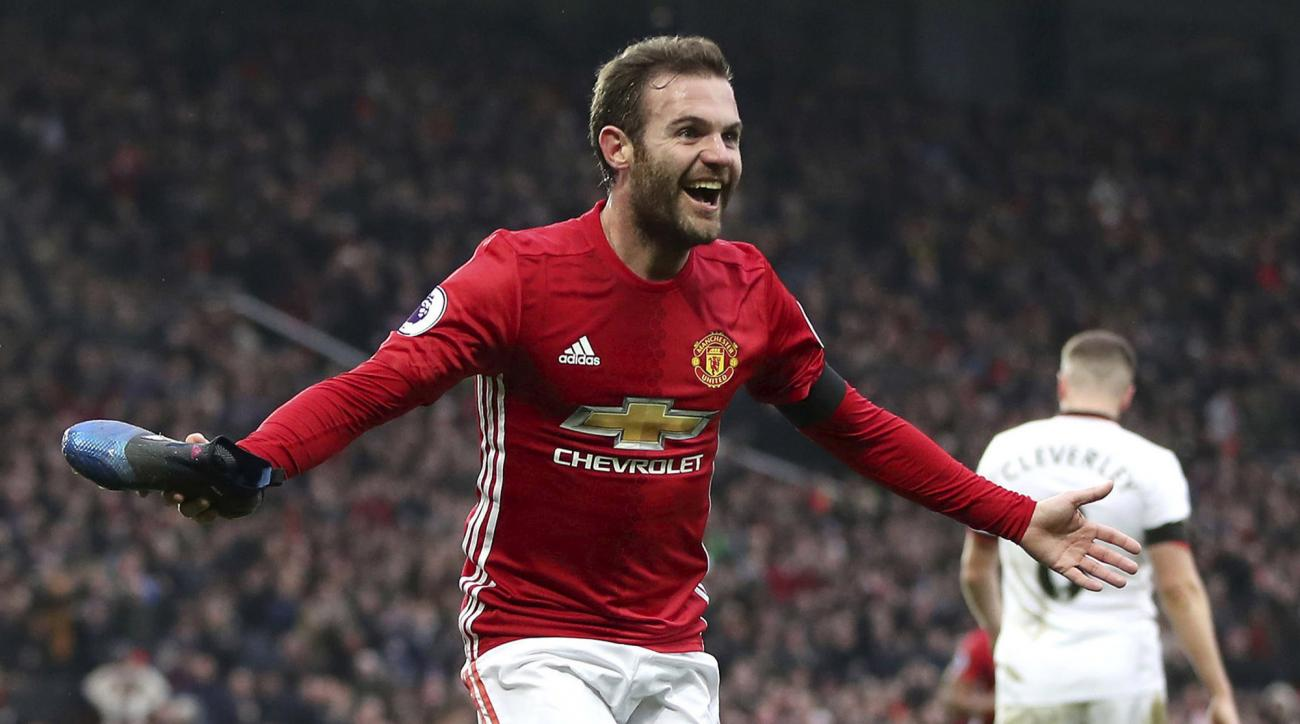 Manchester United host Saint Eteinne in the first leg of a Europa League Round of 32 matchup.