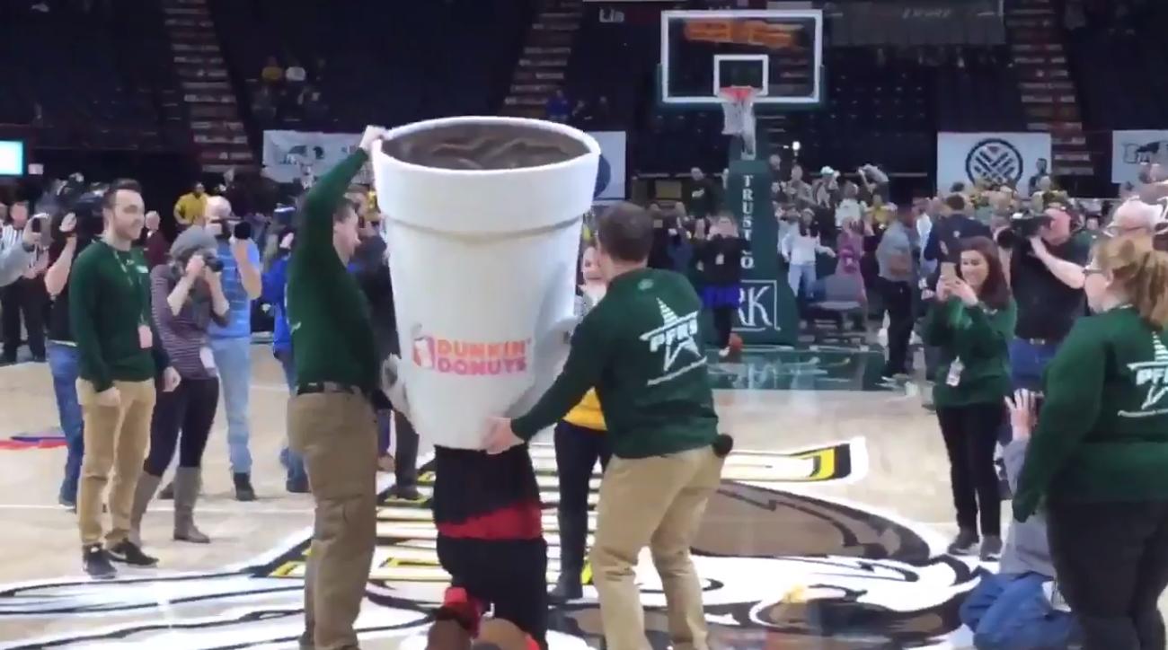 Siena basketball proposal: Fan hits half-court shot