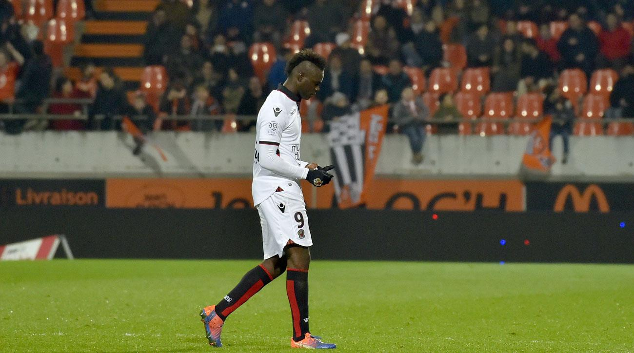 Mario Balotelli is sent off in Nice's win over Lorient