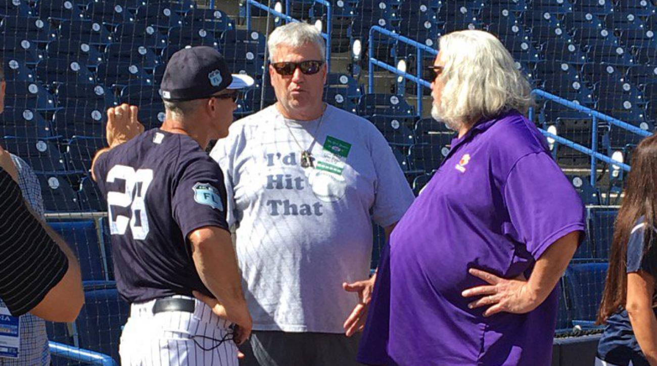 Rex Ryan: NFL coach wears 'I'd Hit That' shirt
