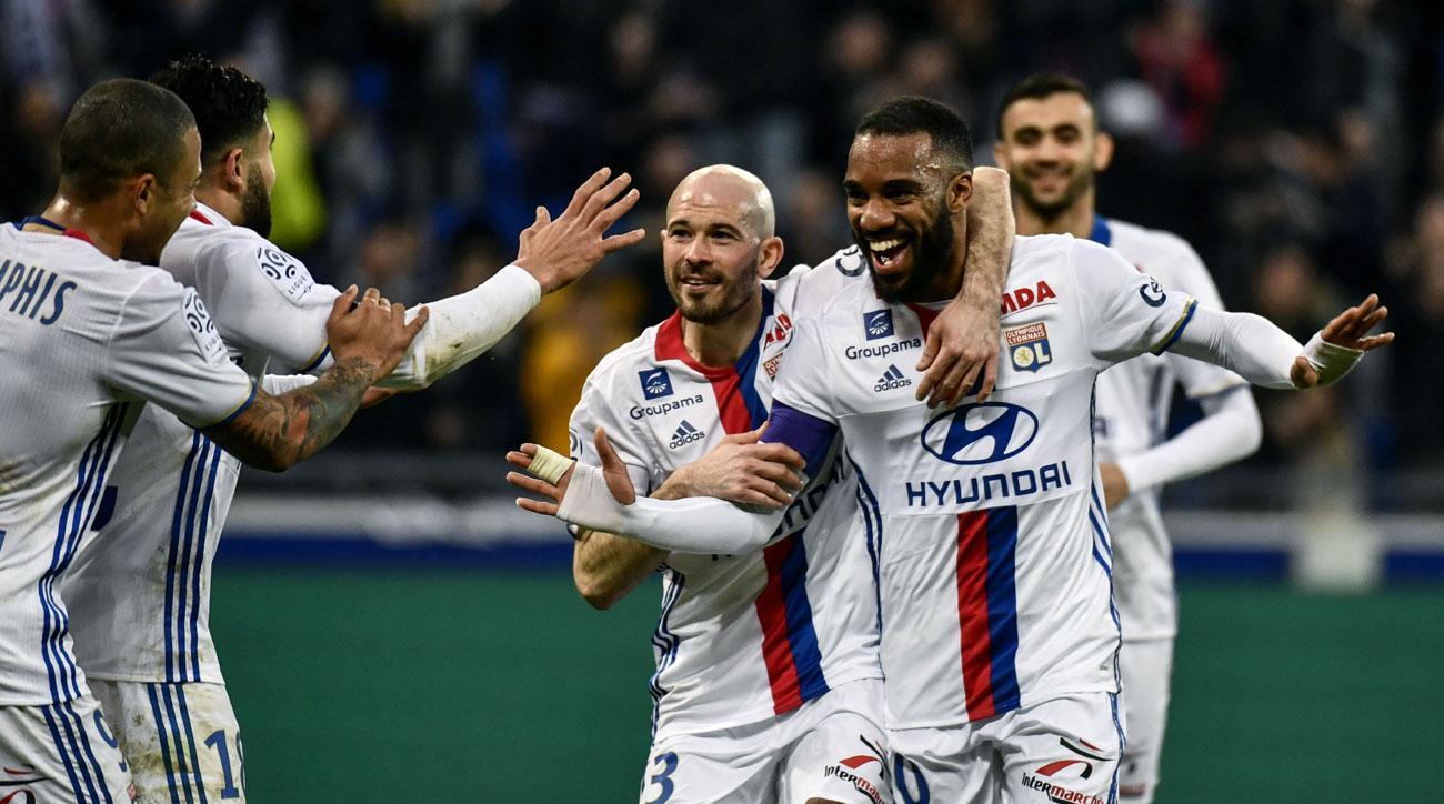 Alexandre Lacazette scores a great goal for Lyon in Ligue 1