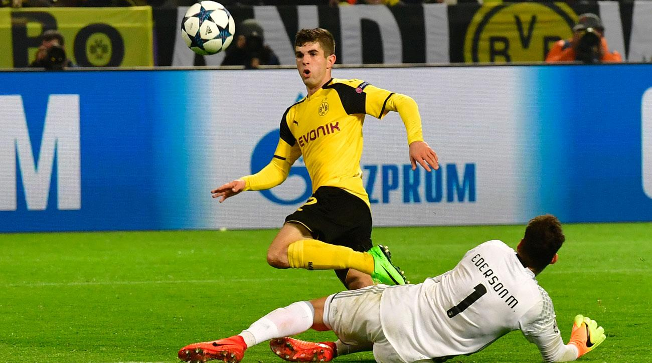 Christian Pulisic scores for Borussia Dortmund in the Champions League