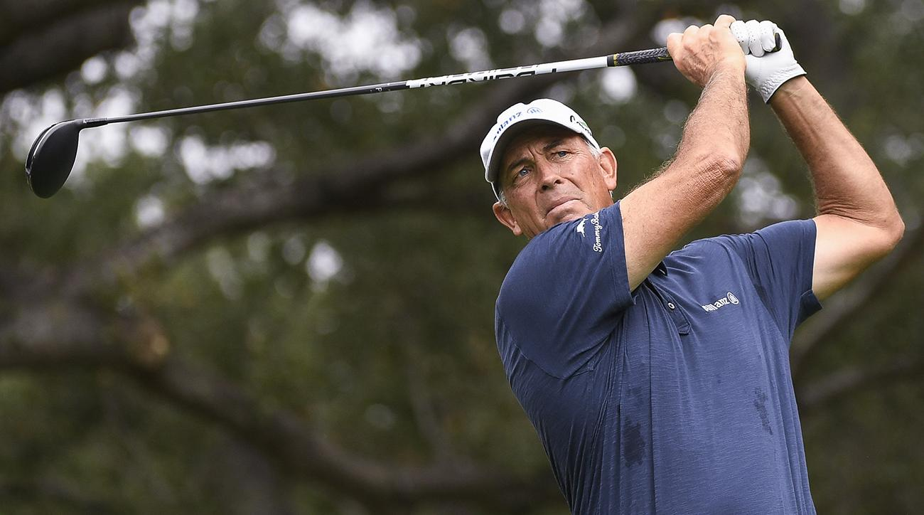 Tom Lehman closed with two birdies and a par to win on Sunday.