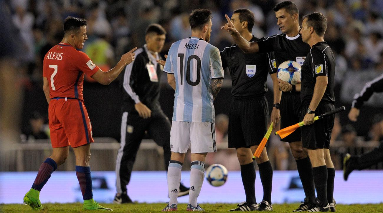 Messi has words with a referee in Argentina's win over Chile