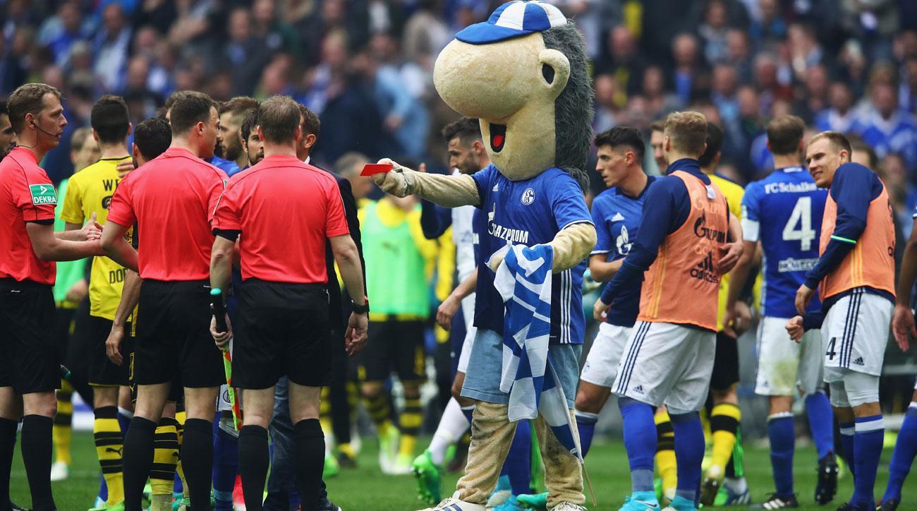 Dortmund vs. Schalke ended in controversy over a non-handball call