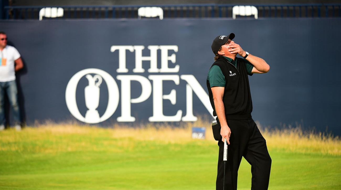 Phil Mickelson dramatically missed a putt on the 18th hole for a 62 at the 2016 British Open.