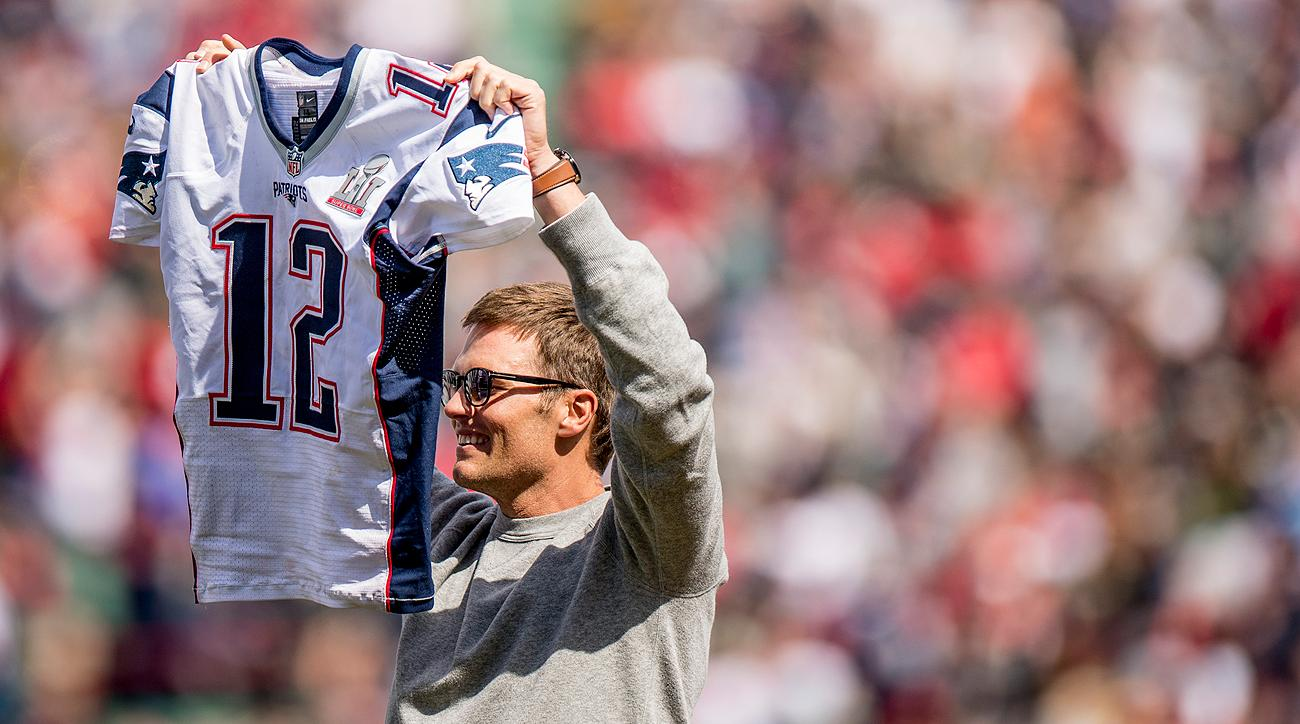 After Tom Brady got back his stolen Super Bowl 51 jersey, he showed it off at Fenway Park for the Boston Red Sox opening day.