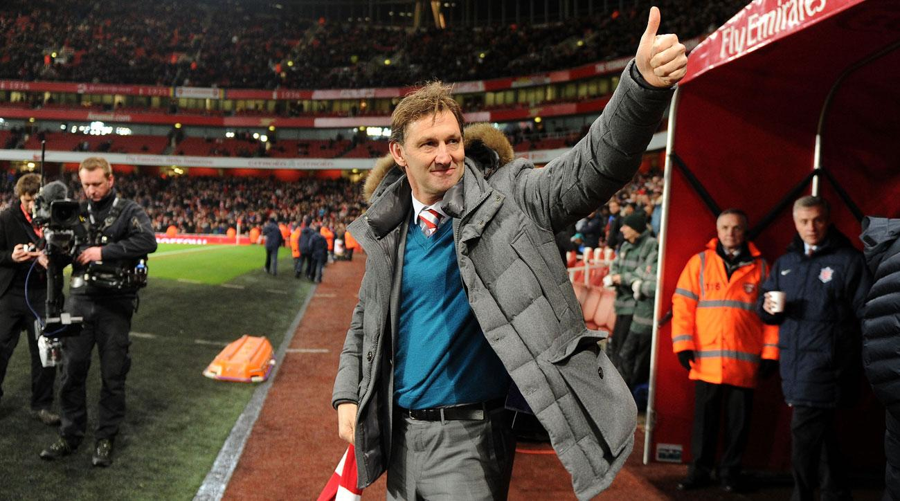 Arsenal legend Tony Adams will manage Granada
