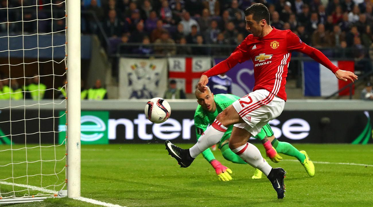 Henrikh Mkhitaryan opens the scoring for Manchester United vs. Anderlecht