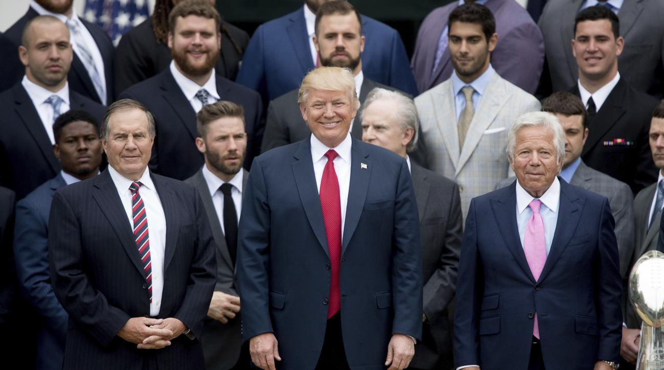 Patriots Clarify White House Turnout Photos For Obama And Trump Si