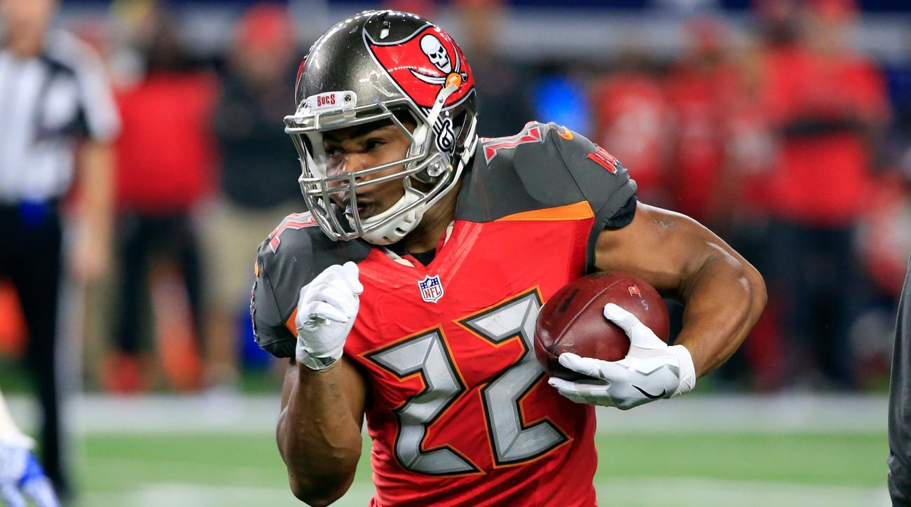 Bucs RB Martin suffers minor cuts, bruises in car accident