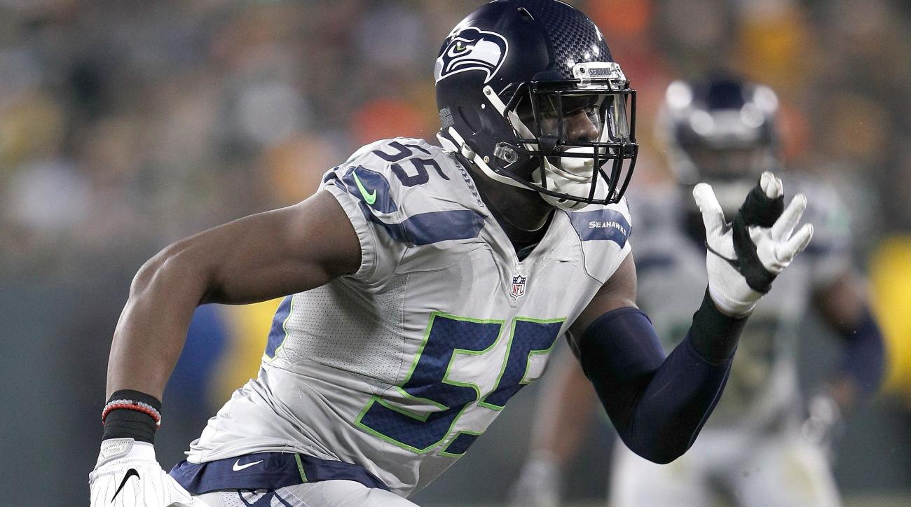 Seahawks' Frank Clark insults reporter over domestic violence story