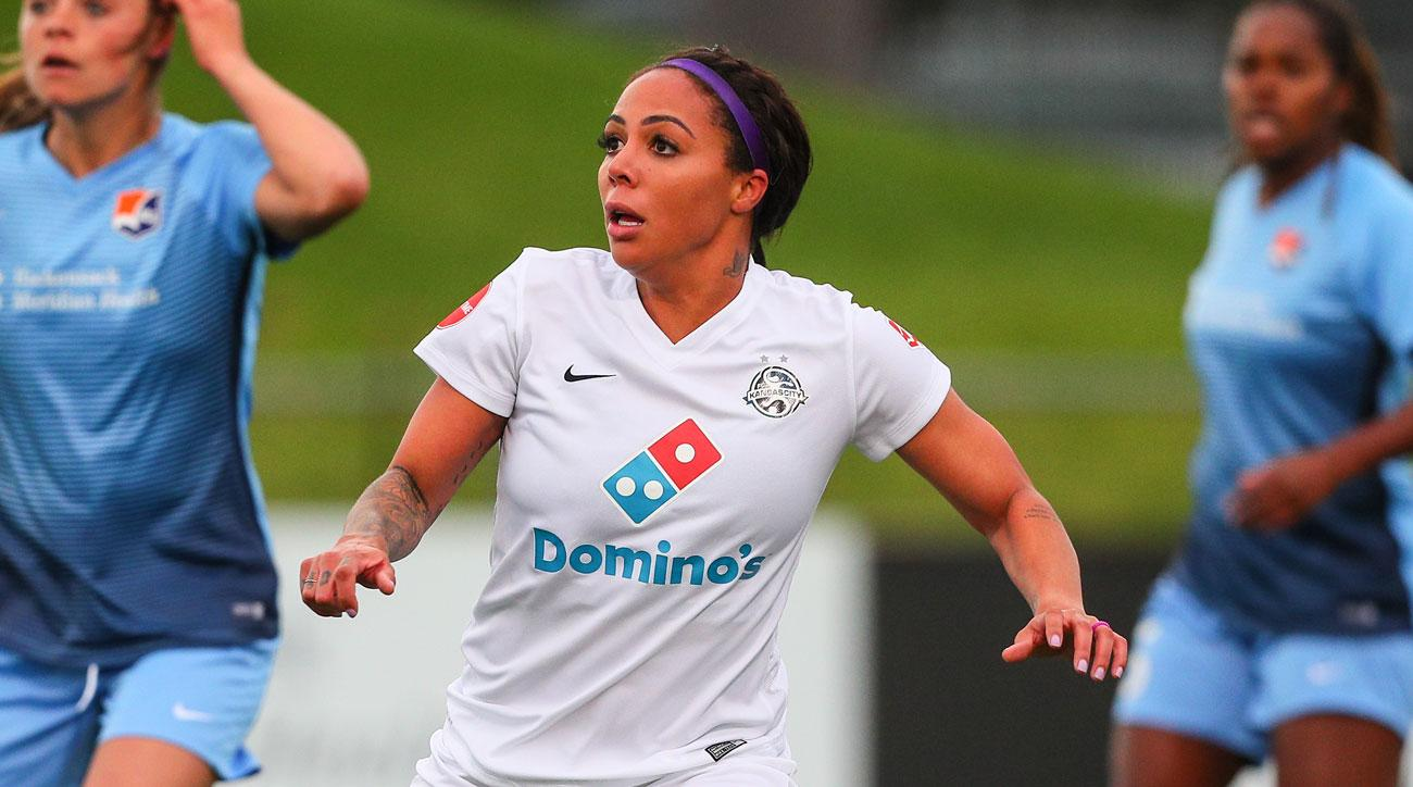Sydney Leroux rejoins the USWNT for the first time since giving birth