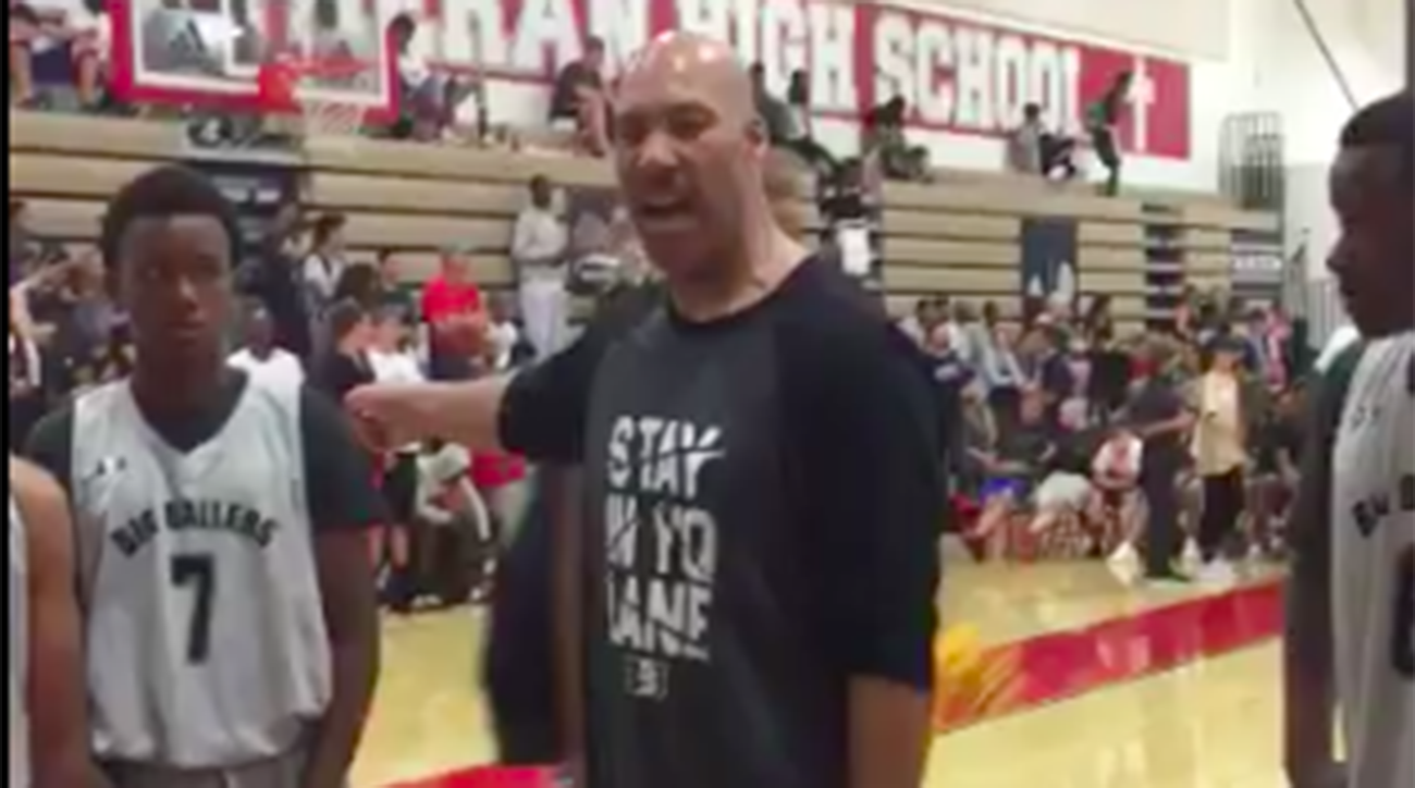 LaVar Ball coached LaMelo's AAU team to 52-point loss
