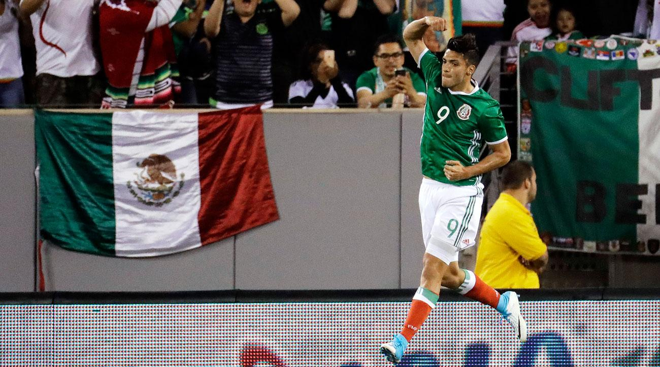 Bradley's stunning early goal helps US to 1-1 tie at Mexico