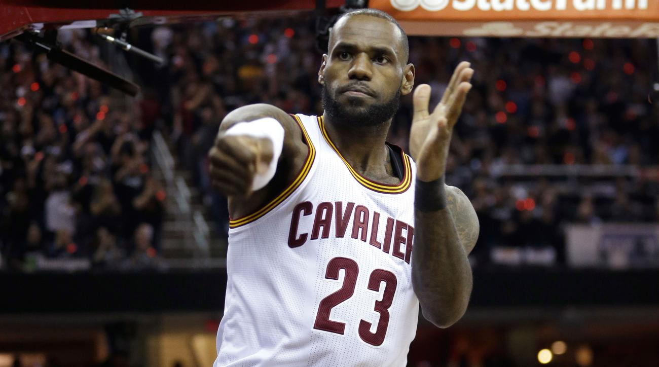 Never Played For A Super Team? Twitter Roasts LeBron's Post Game Comment
