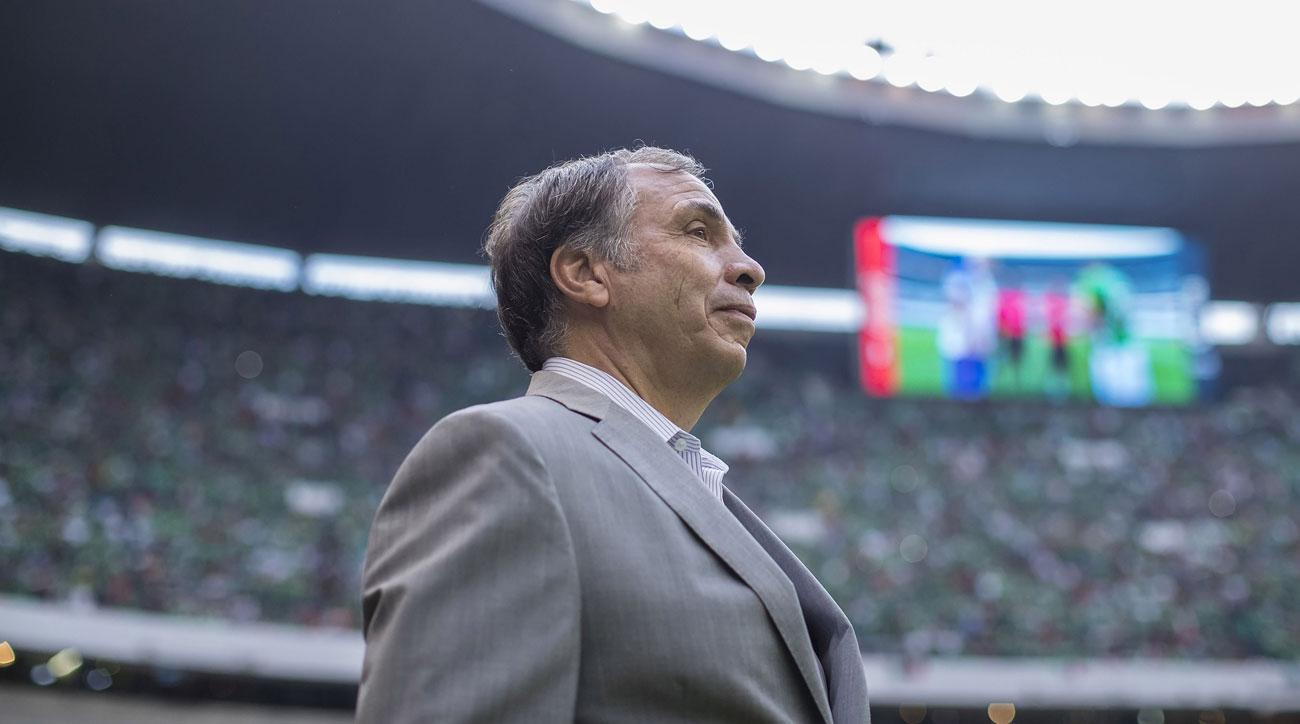 Bruce Arena gambled with his lineup but got it right in the USA's 1-1 draw at Mexico