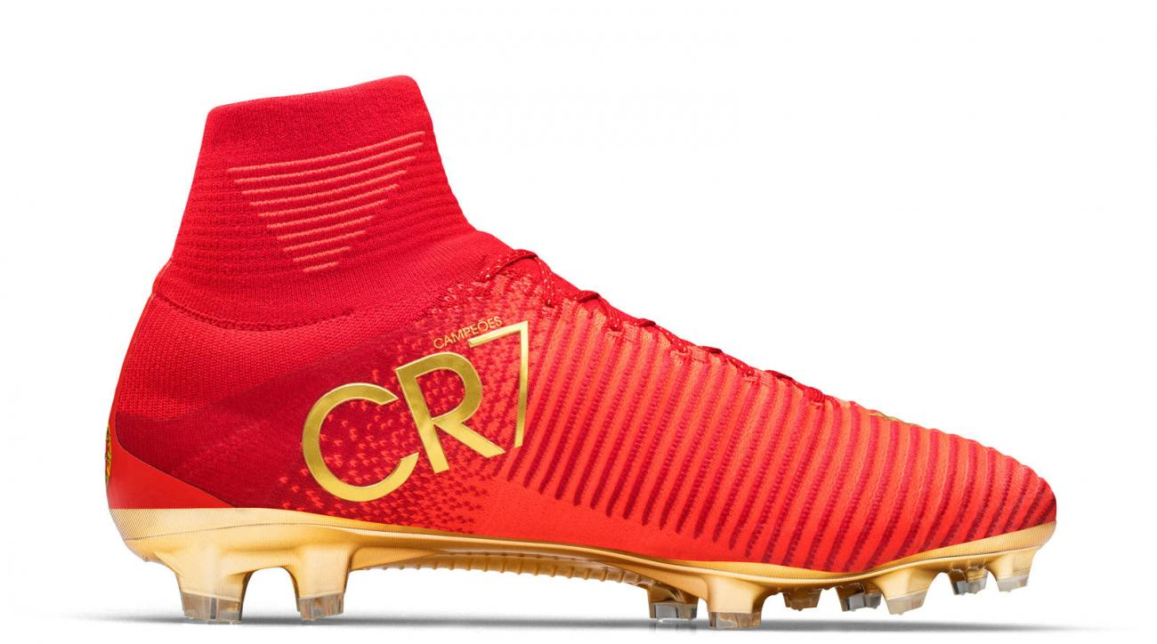 ronaldo shoes cr7