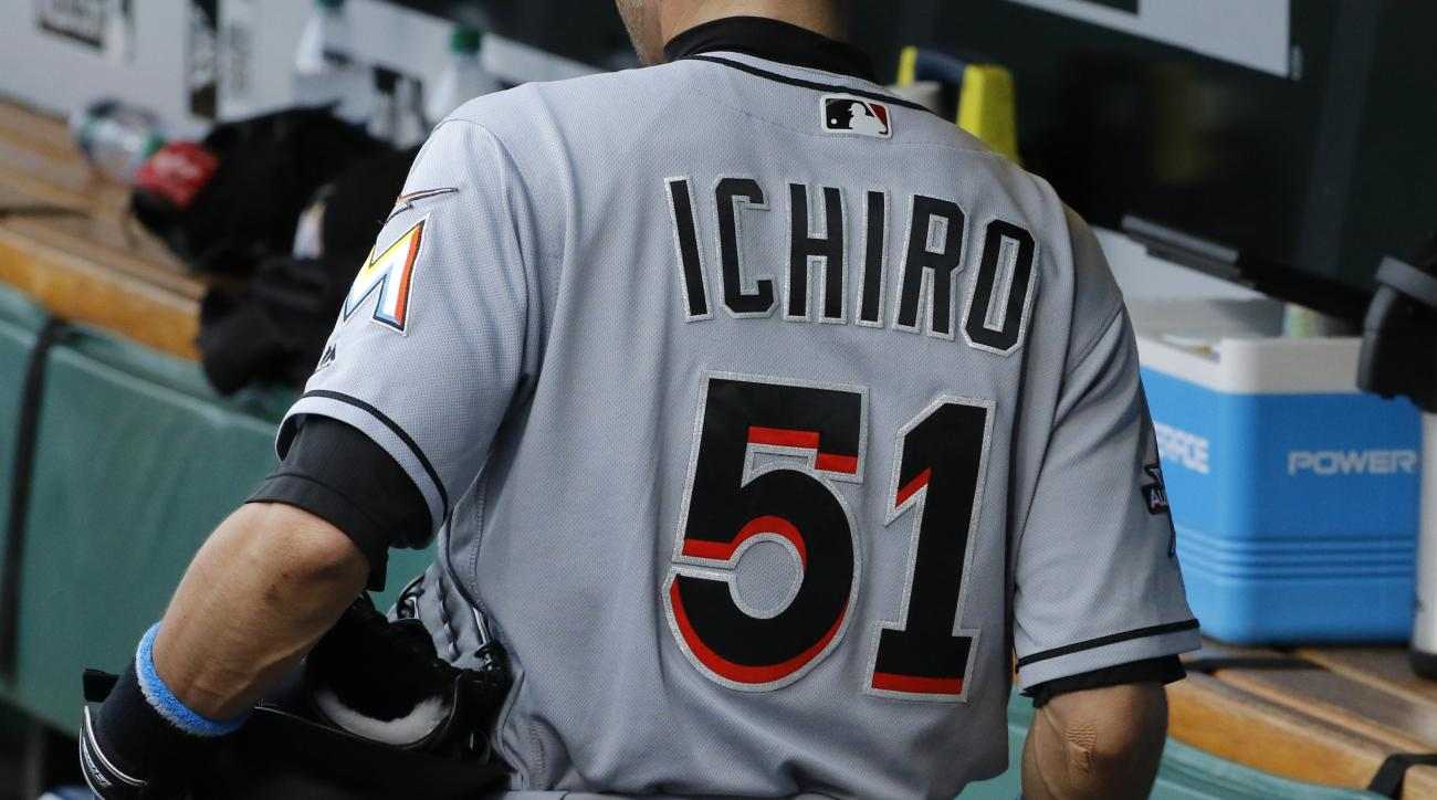 Major League Baseball allows nicknames on jerseys for 'Players Weekend'