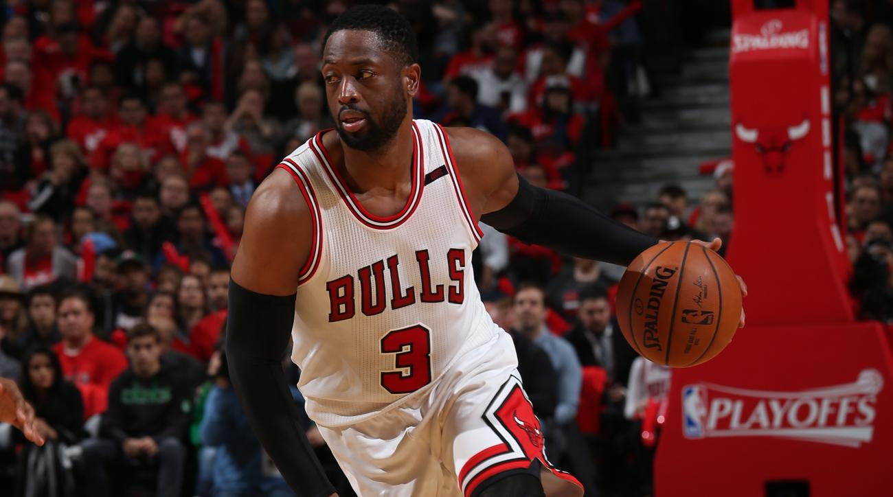 Dwyane Wade picking up contract option with Bulls   SI com