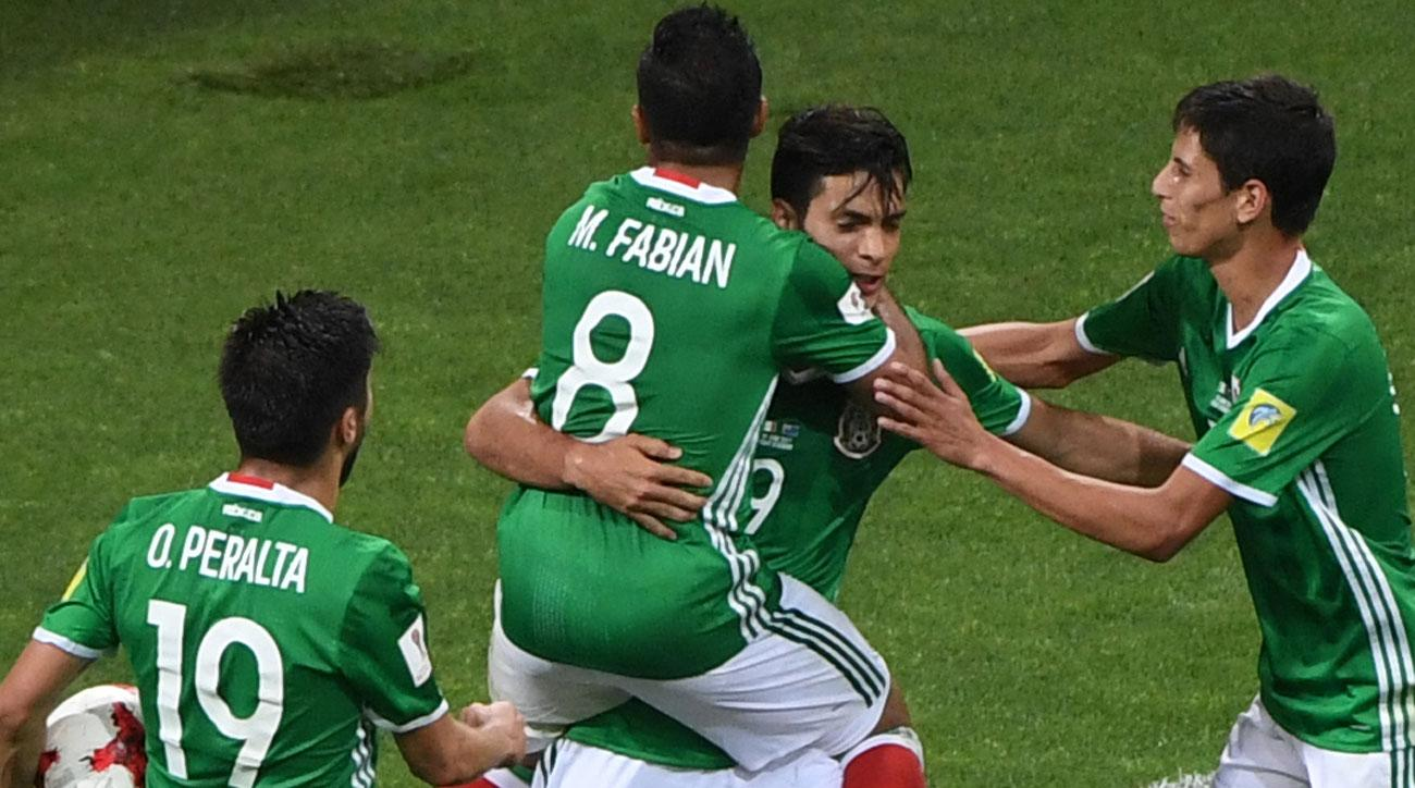 Raul Jimenez scores for Mexico vs. New Zealand in Confederations Cup
