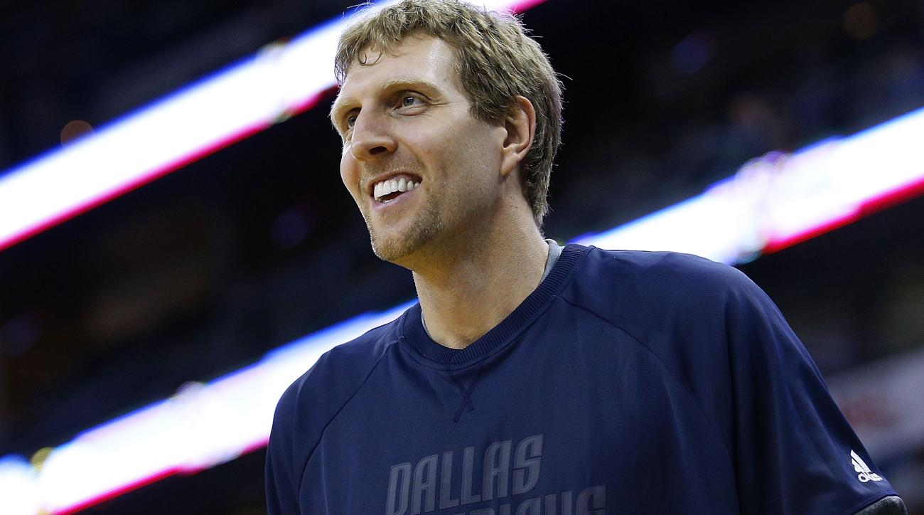 Mavericks to decline Dirk Nowitzki's $25 million option, sign new deal