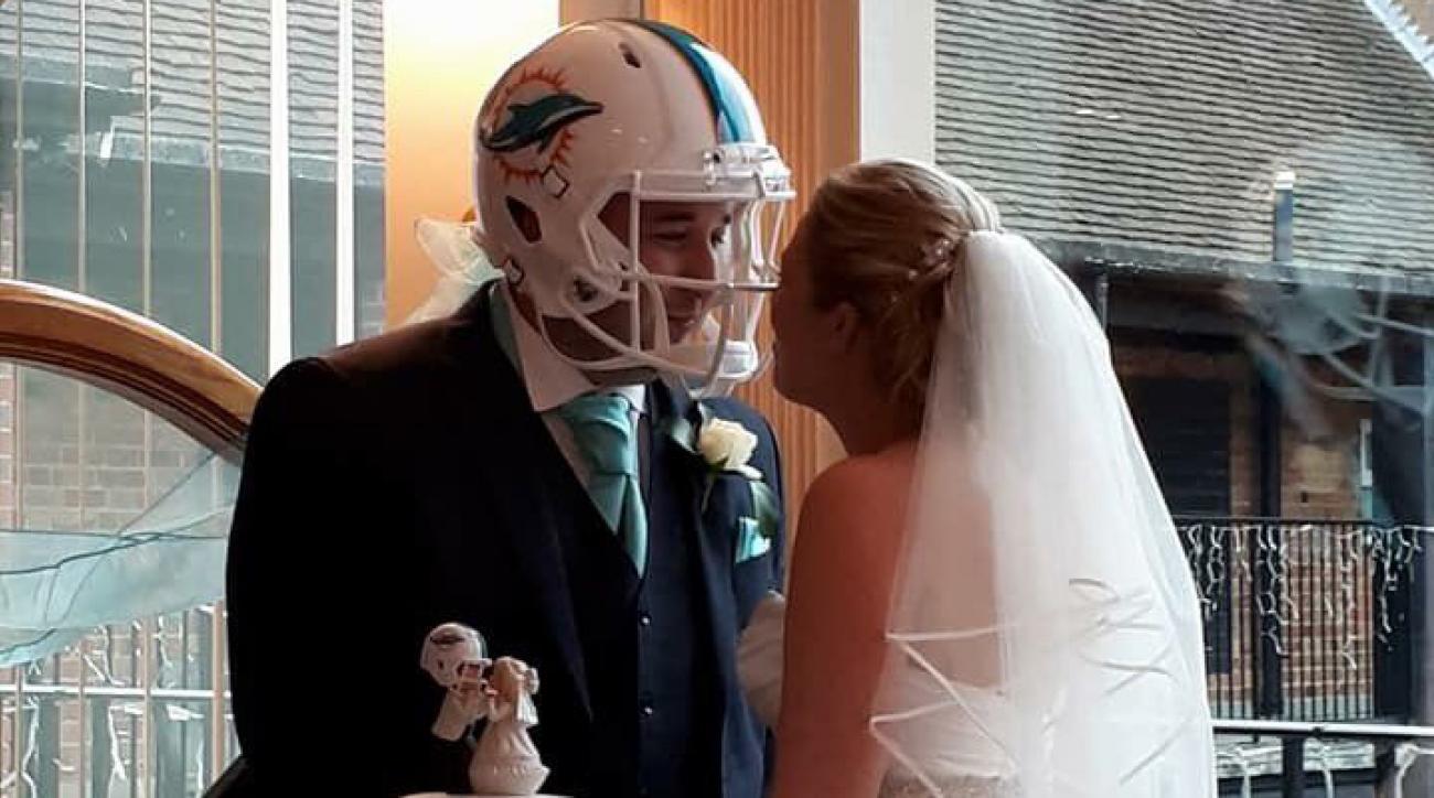 Miami Dolphins Fan Wears Dolphins Helmet In Wedding Si Com