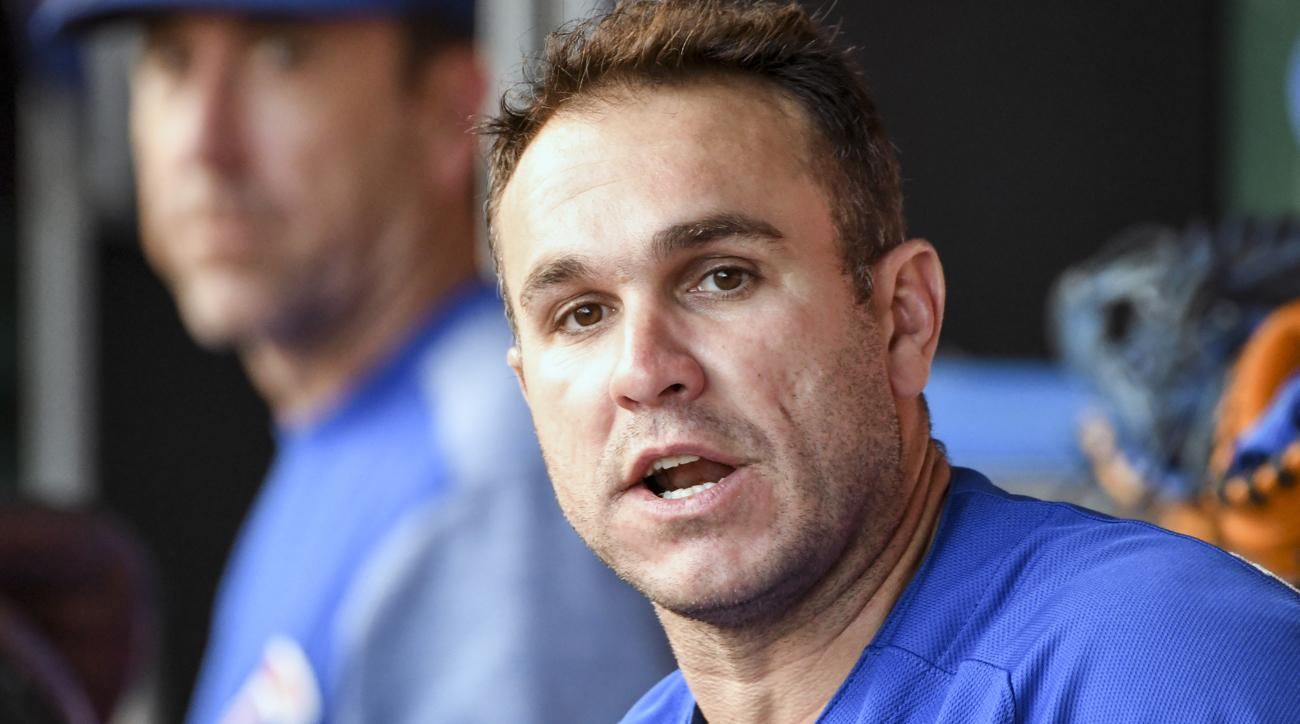 Blue Jays acquire catcher Miguel Montero from Cubs