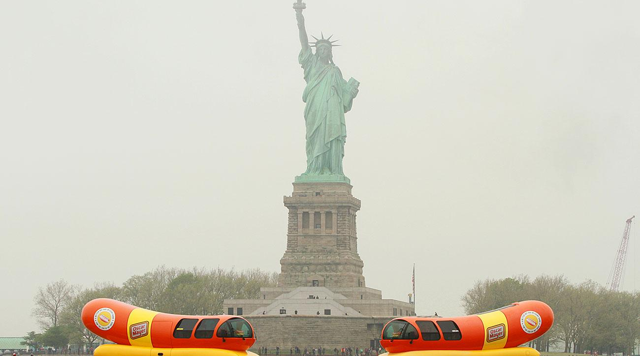 Ode to the Hot Dog