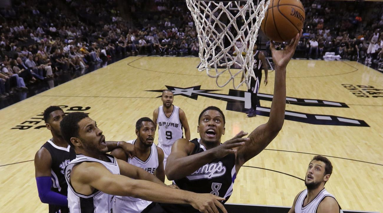 San Antonio Spurs sign veteran forward Rudy Gay