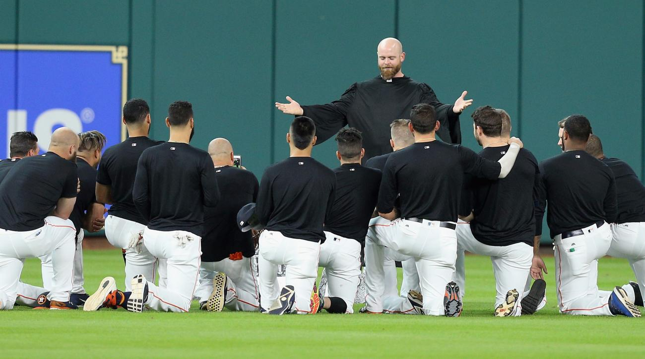 Houston Astros hold fake funeral for Carlos Beltran's glove