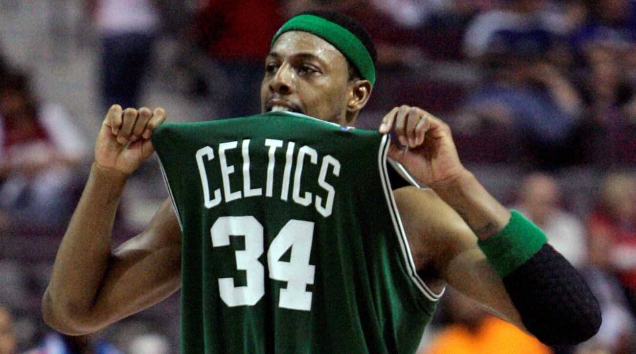 2df71af45 Paul Pierce signs with Boston to retire as a Celtic