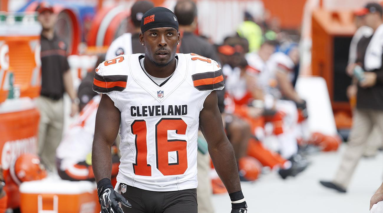 Patriots WR Andrew Hawkins announces retirement via Twitter