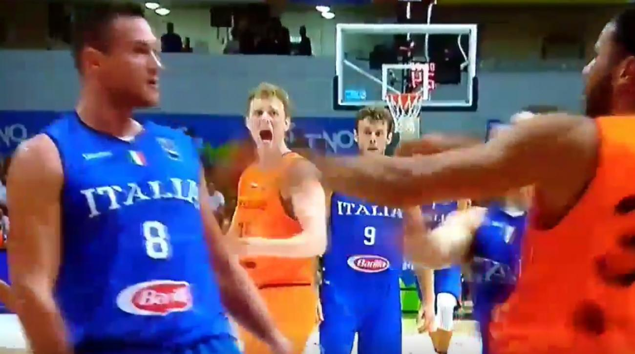 Danilo Gallinari fractures hand after throwing a punch during Italy game