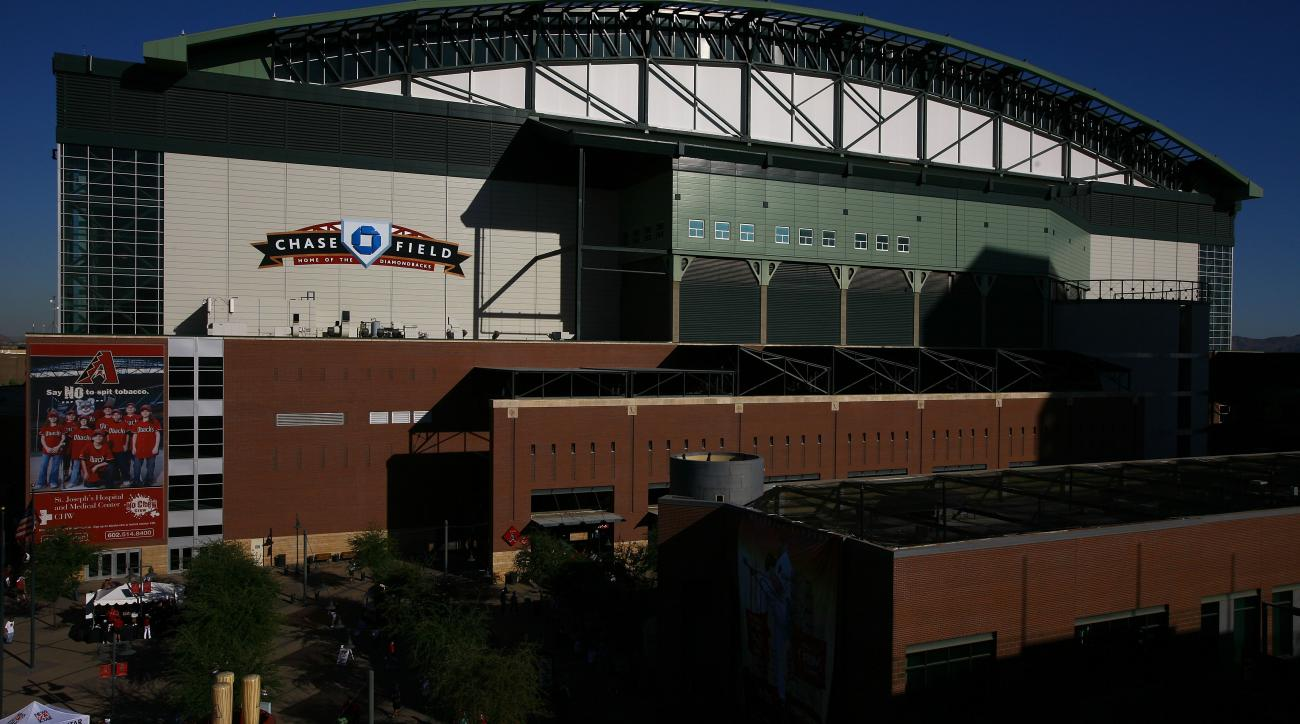 Backs Attorney: MLB Officials 'Alarmed' at Chase Field Conditions