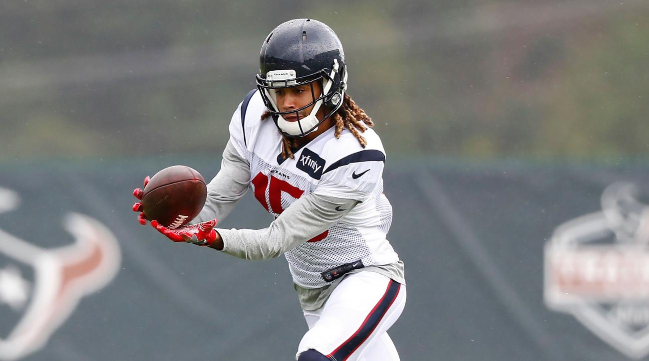 Texans WR Will Fuller out indefinitely after breaking collarbone in practice