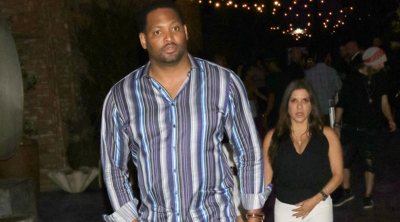 Robert Horry scuffles with heckler at son s game video