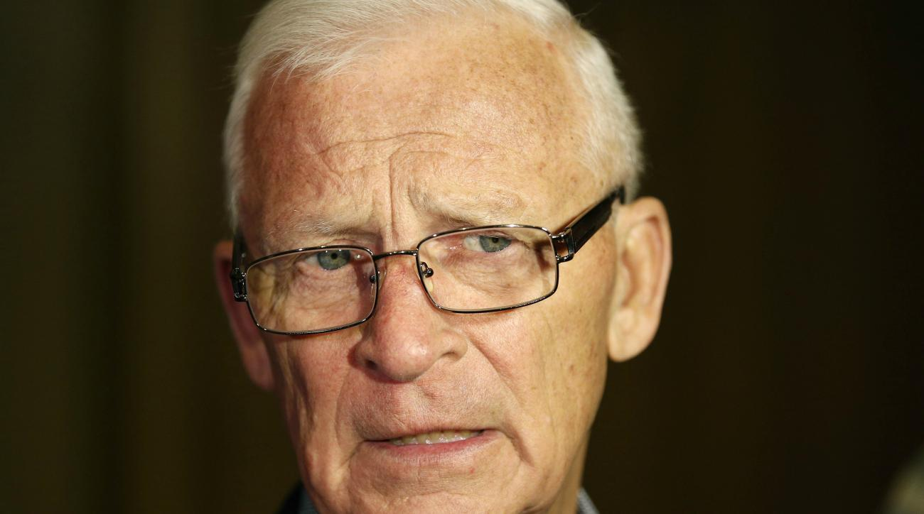 Former Capitals coach and Senators general manager Bryan Murray died Saturday at 74.