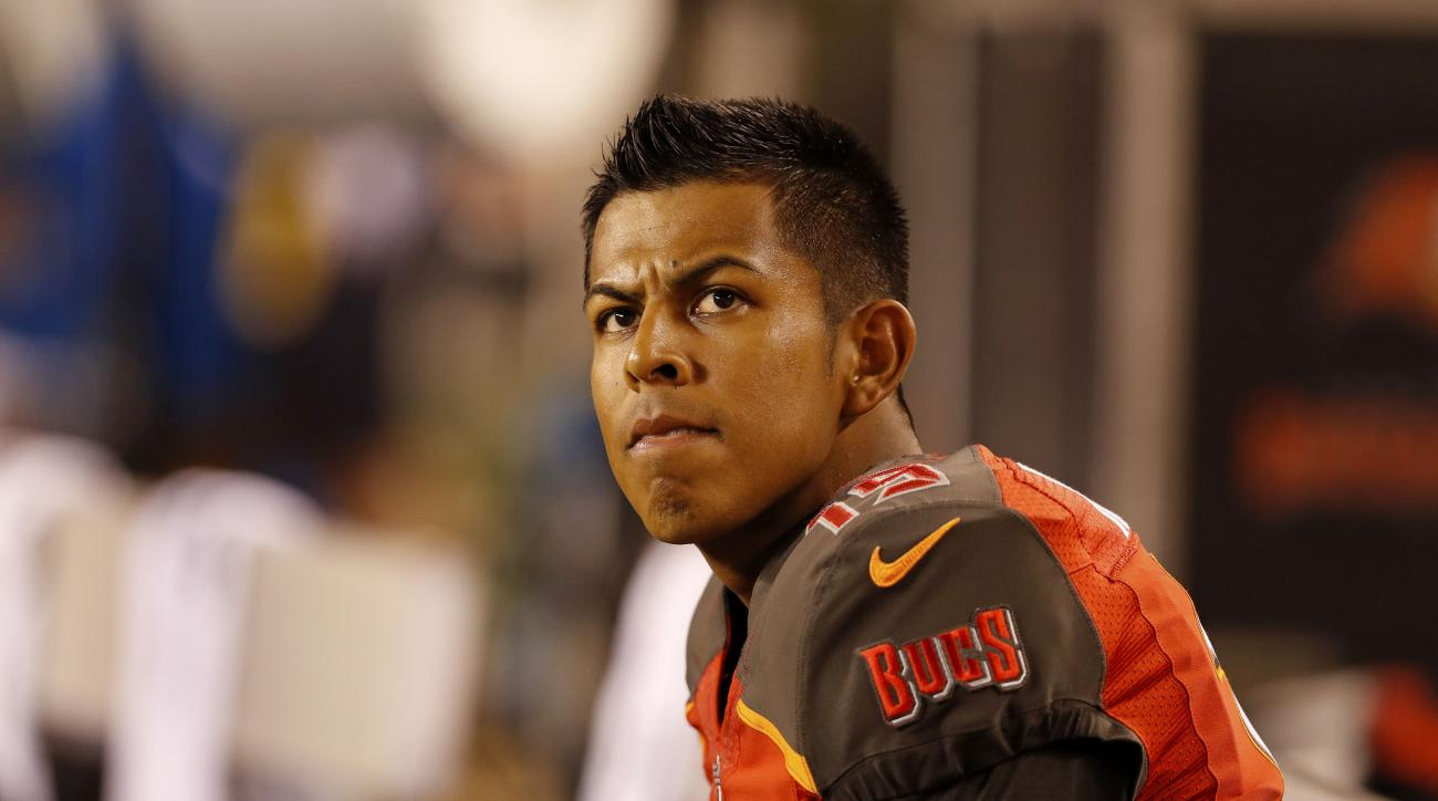 Bucs cut beleaguered kicker Roberto Aguayo