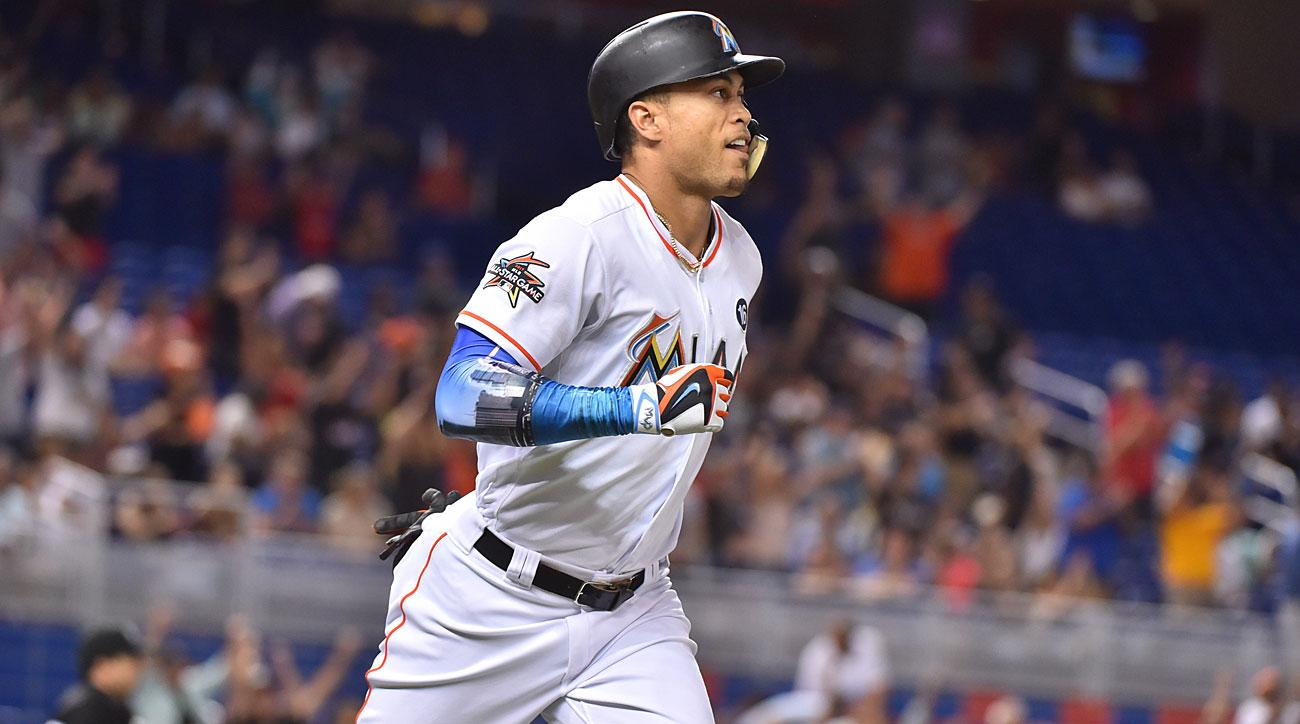 Stanton breaks Marlins' homer record in win over Giants