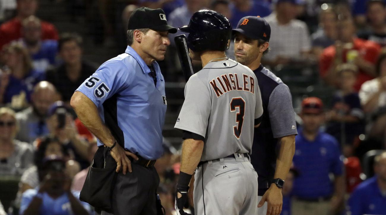 Tigers' Kinsler: Angel Hernandez is a bad umpire