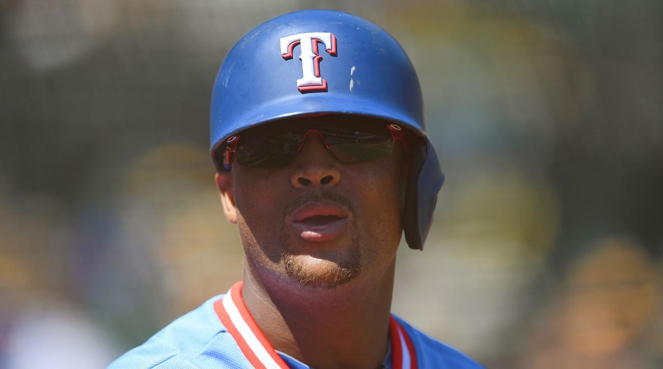 Adrian Beltre to miss time with hamstring strain
