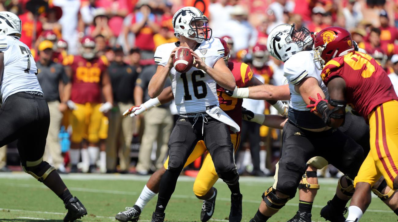 No. 4 USC rallies late to beat Western Michigan