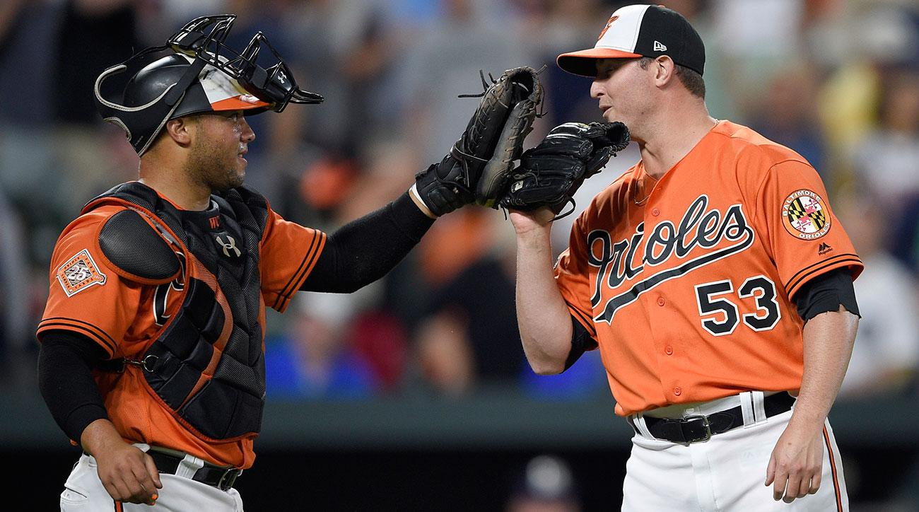 Orioles' Welington Castillo sent to hospital after taking foul ball to groin