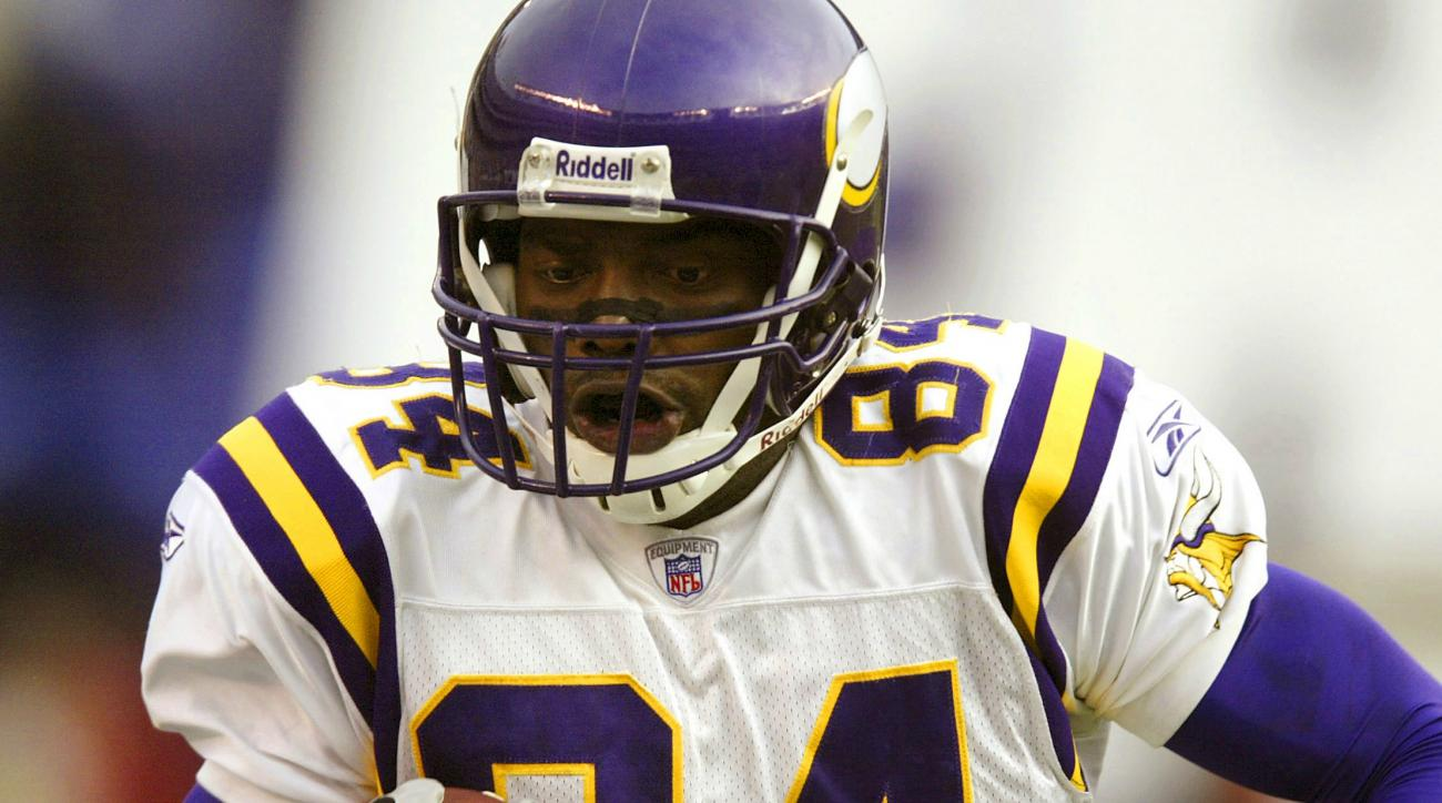 Randy Moss highlights players who are eligible for the Hall of Fame for the first time in 2017.