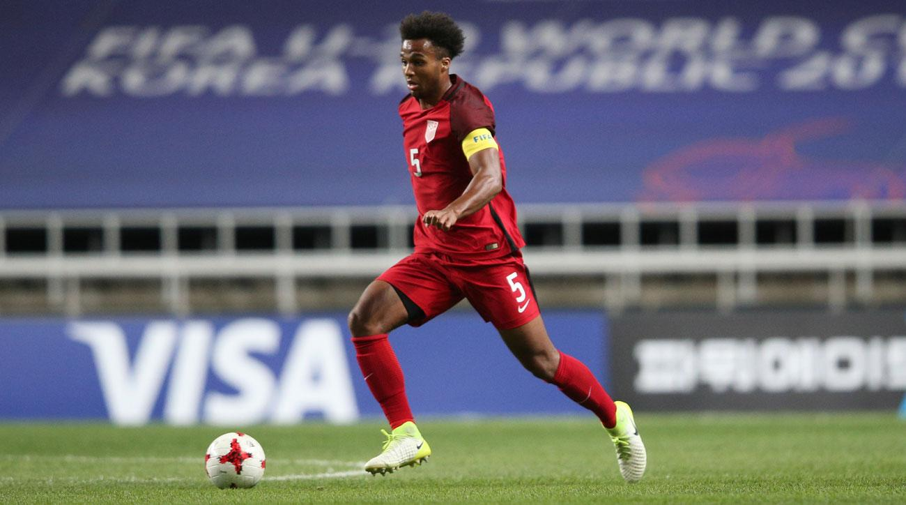 Erik Palmer-Brown will sign with Manchester City