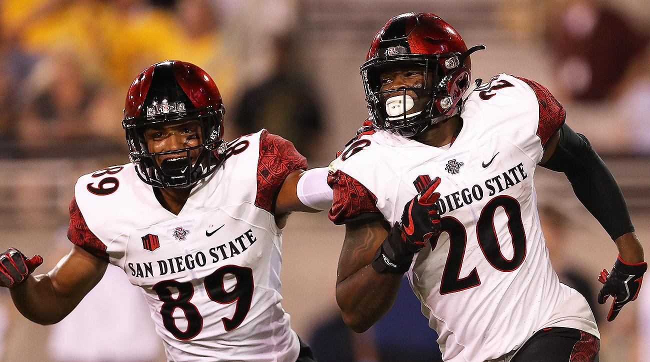 Stadium goes dark as San Diego State upsets Stanford