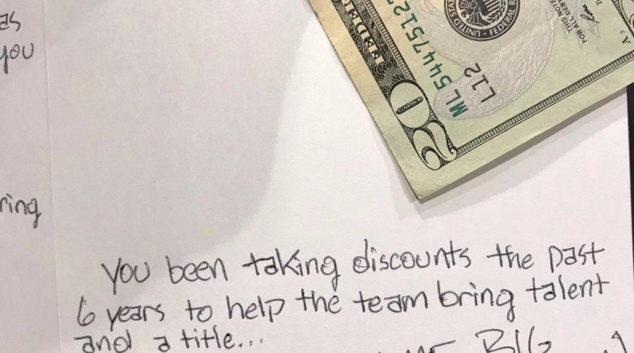 Dirk Nowitzki: Mavs fan gives cash for contract discounts